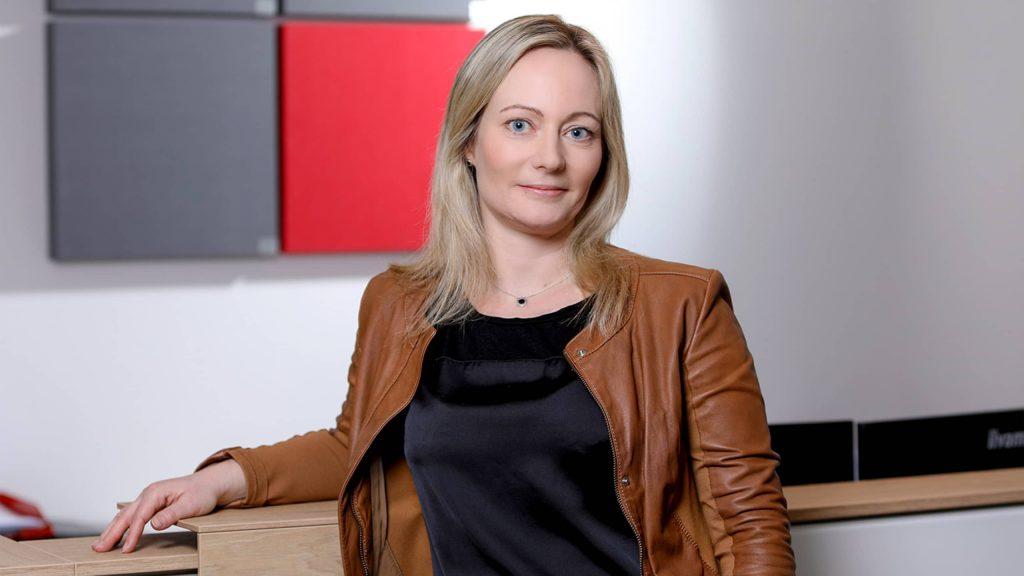 Stefanie Tines, Geschäftsführerin